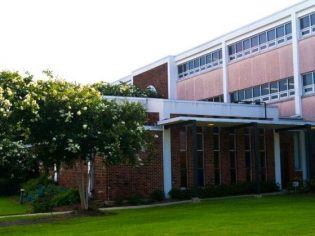 Exterior shot of St. Dominic School representing the work of architect Pascal Architects in New Orleans, LA